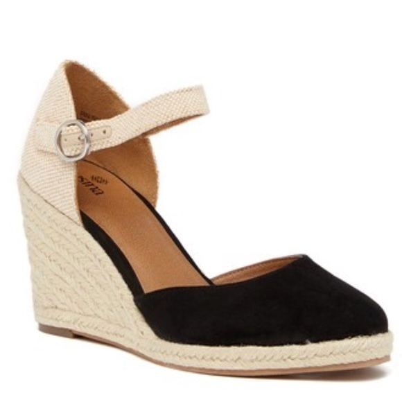 00fe362e2a7 Susina Lily Ankle Strap Wedges